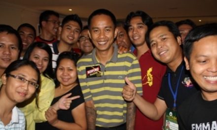 THAT WINNING FILIPINO SMILE!