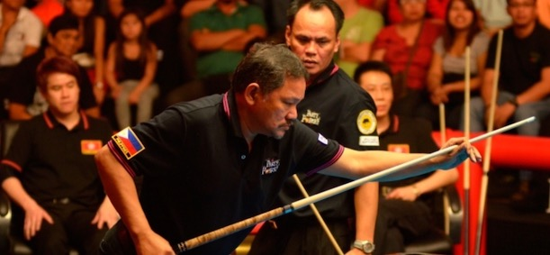 OLD STAGERS REYES AND BUSTAMANTE DELIGHT CROWD IN MANILA