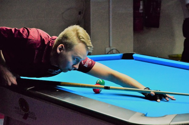 FILLER FALLS IN DRAMATIC UPSET, WHILE VAN BOENING ALSO CRASHES OUT
